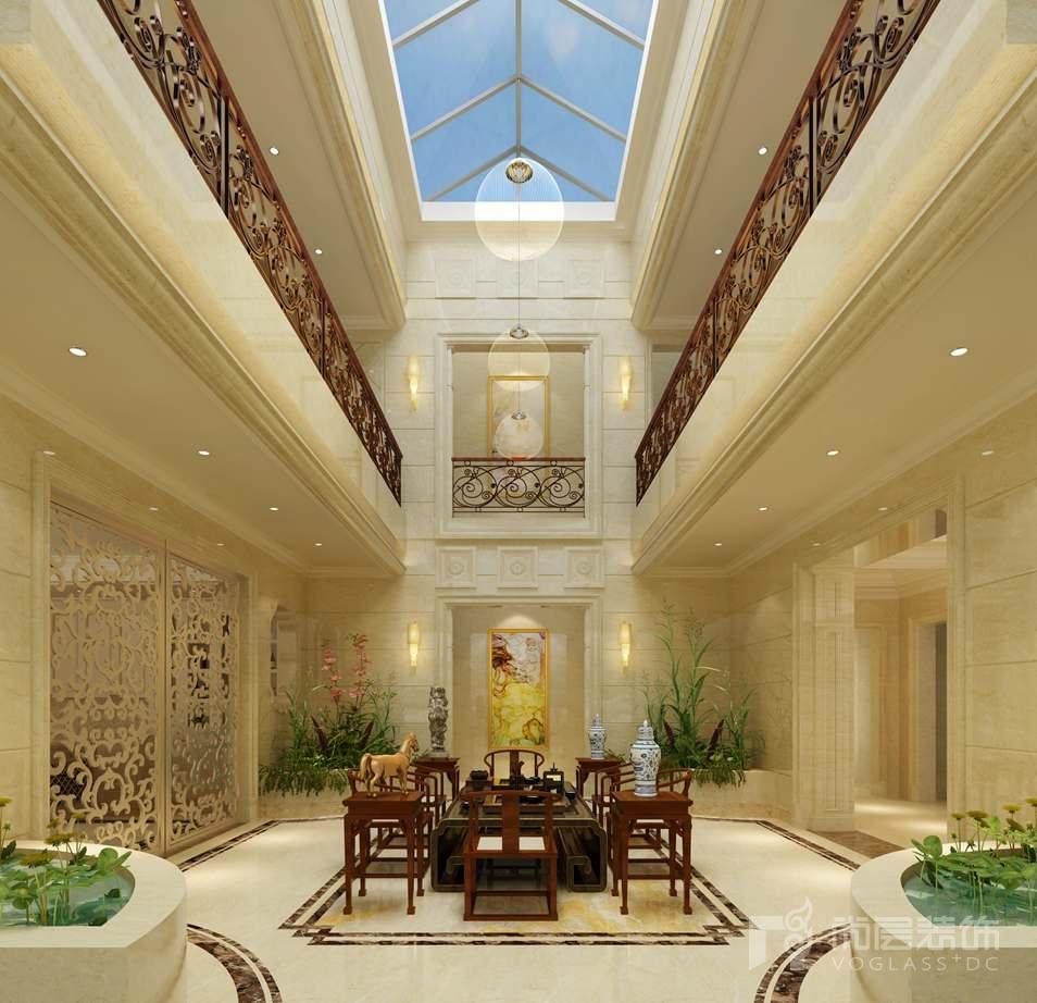 客厅整体配色以米白色,白色为主,碎花的墙纸和背景墙